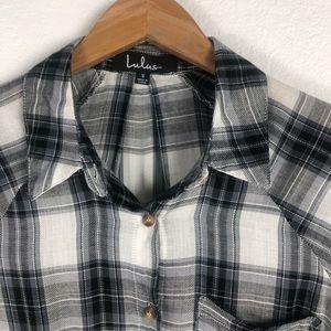 Lulu's Tops - 💛Lulu's Plaid Short Sleeve Knot Front
